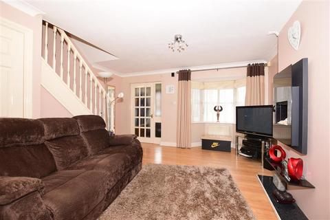 3 bedroom semi-detached house for sale - Manor House Drive, Park Farm, Ashford, Kent