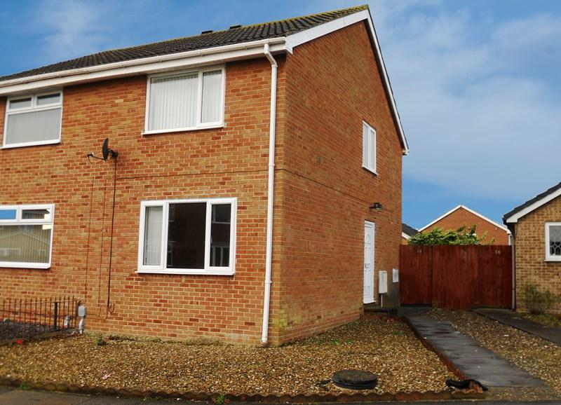 2 Bedrooms Semi Detached House for sale in Beech Avenue, Thorngumbald, Hull