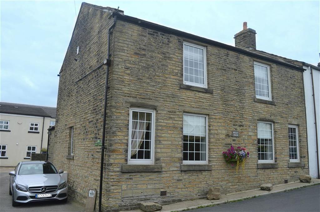 4 Bedrooms Cottage House for sale in Warburton, Emley, Huddersfield, HD8