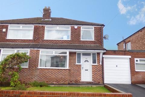 3 bedroom semi-detached house for sale - Penrhyn Avenue, Alkrington, Middleton, Manchester, M24