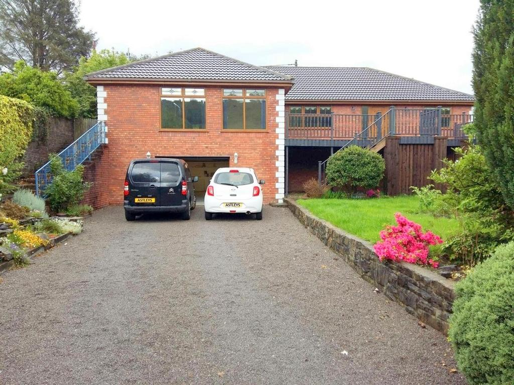 4 Bedrooms House for sale in Woodland Road, Crynant, Neath