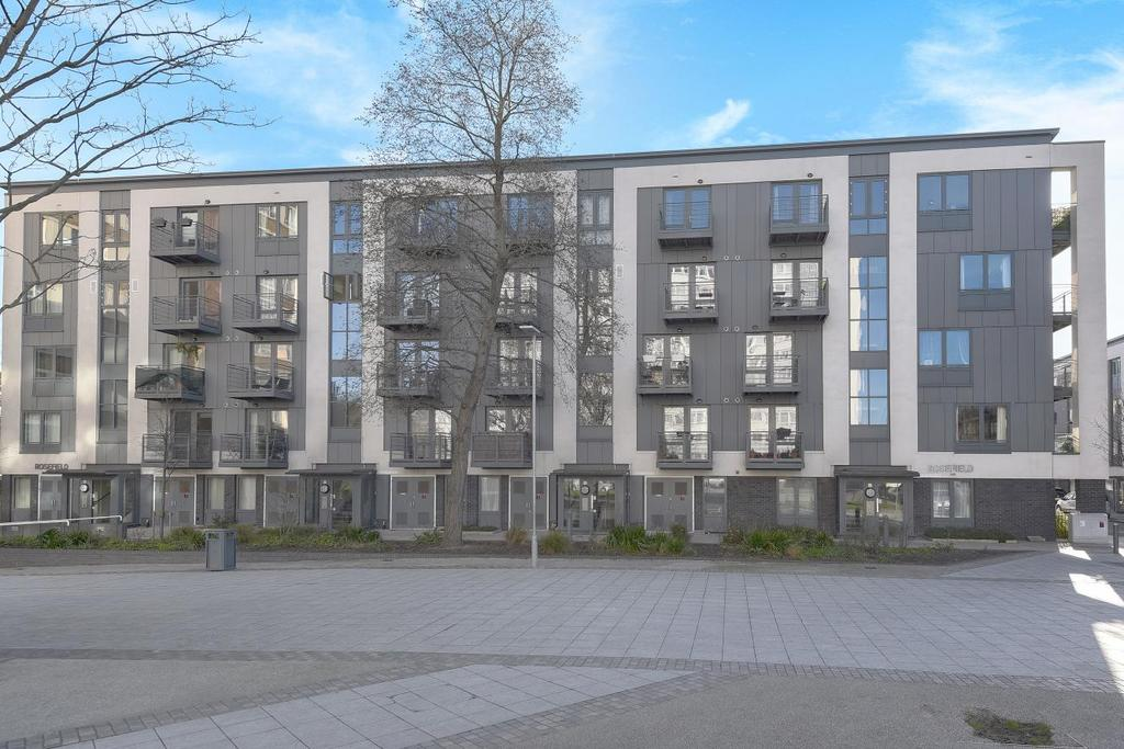 2 Bedrooms Flat for sale in Pooles Park, Finsbury Park