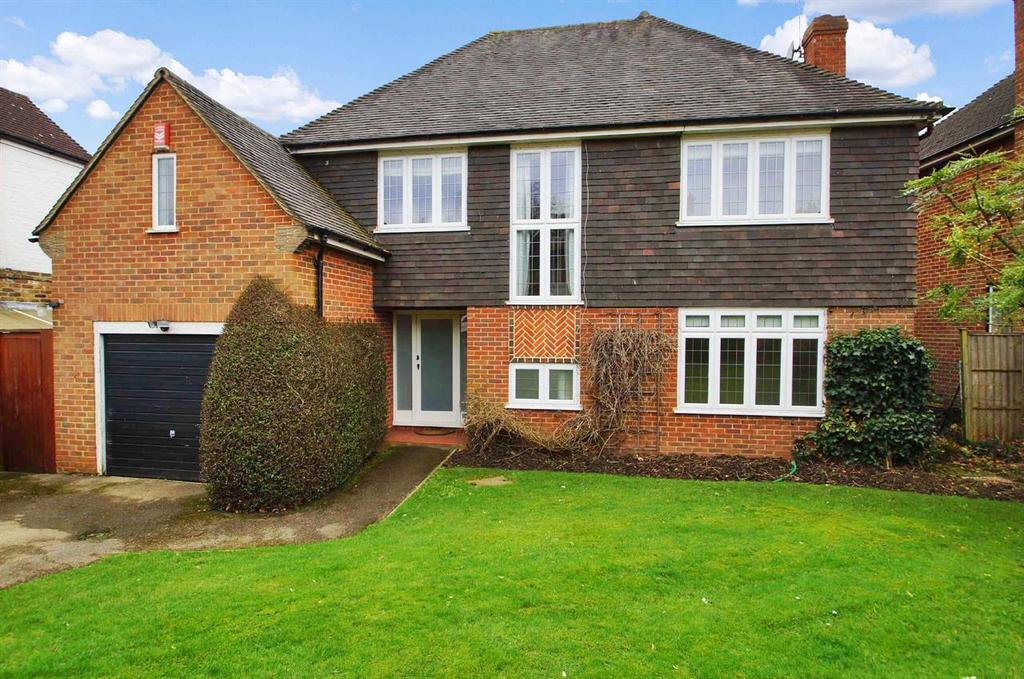 4 Bedrooms Detached House for sale in COBHAM/STOKE D'ABERNON