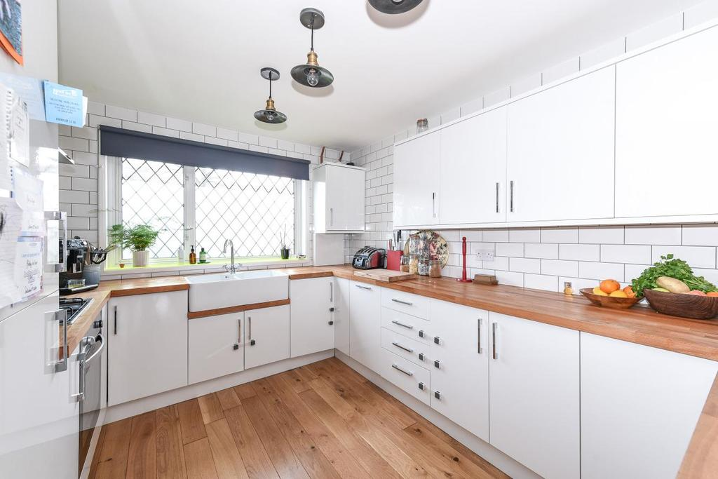 3 Bedrooms Terraced House for sale in Robert Keen Close, Peckham