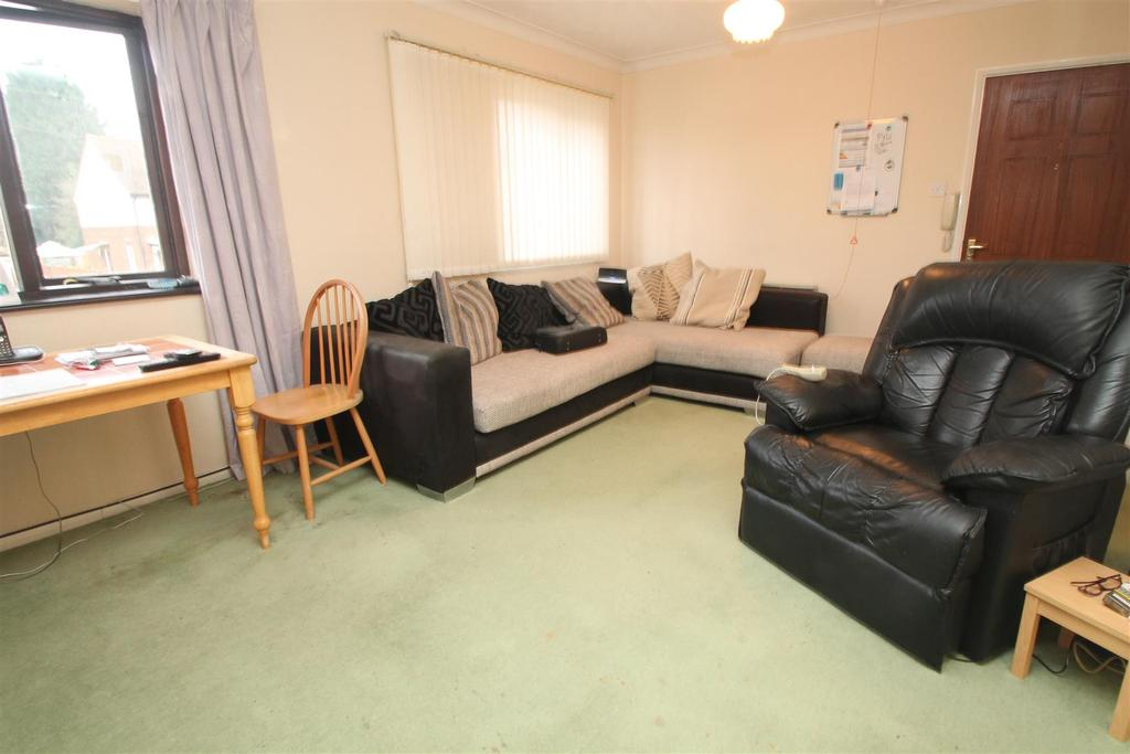 2 Bedrooms Retirement Property for sale in Russet Court, Coxheath, Maidstone