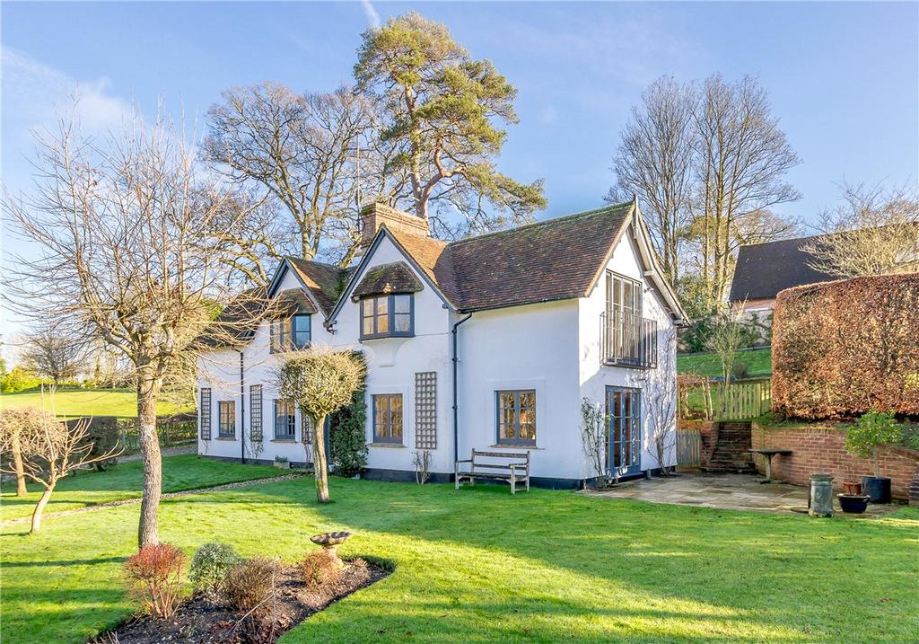 4 Bedrooms Detached House for sale in Newtown, Newbury, Berkshire, RG20
