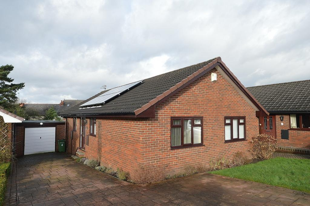 3 Bedrooms Bungalow for sale in Crown Street, Marple, Cheshire