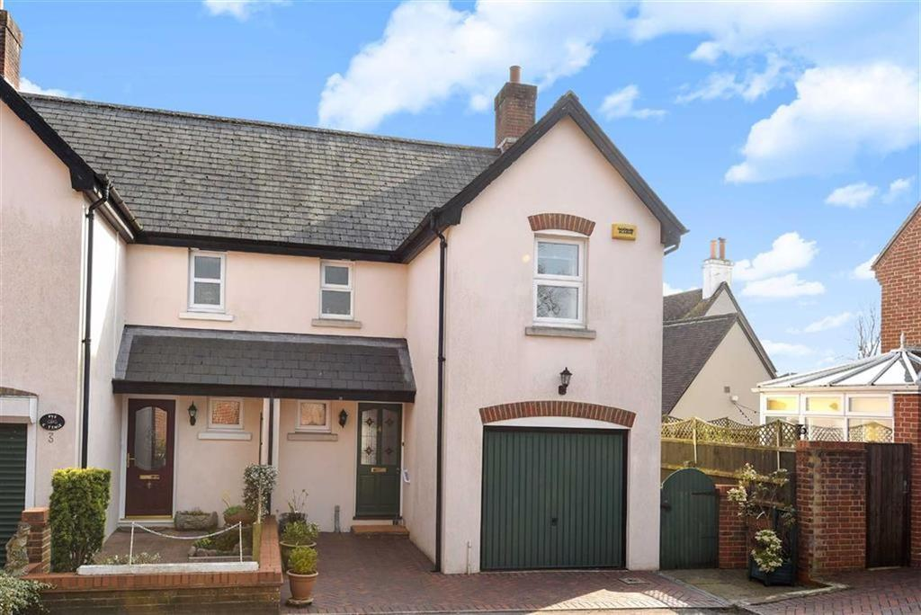 3 Bedrooms Semi Detached House for sale in Three Lions Close, Wimborne, Dorset