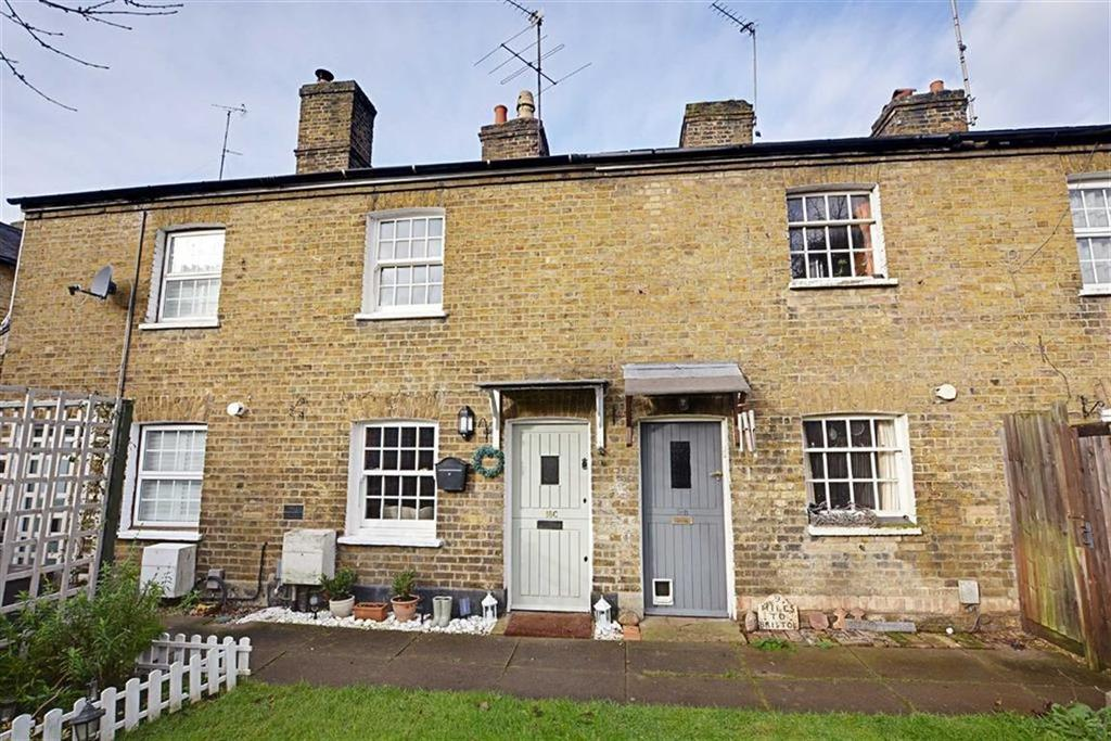 2 Bedrooms Terraced House for sale in Russell Court Mews, Port Vale, Hertford, SG14