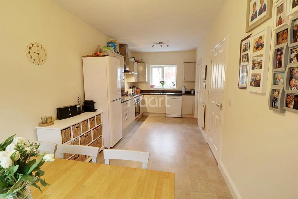 4 Bedrooms Detached House for sale in Harfleur Court, Monmouth