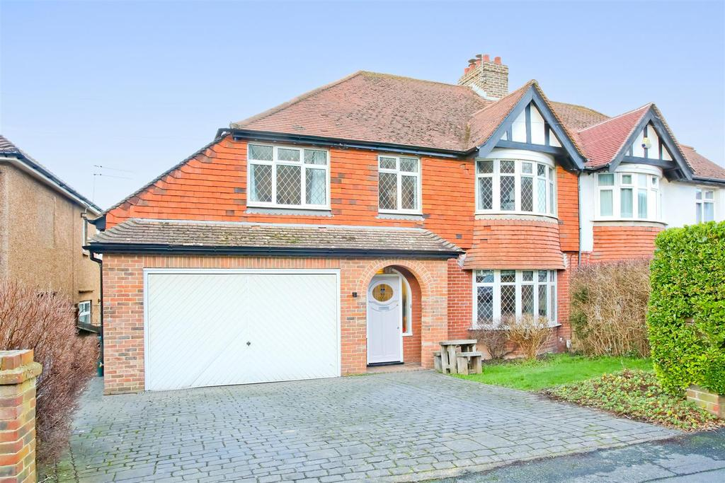 6 Bedrooms Semi Detached House for sale in Graham Avenue, Patcham