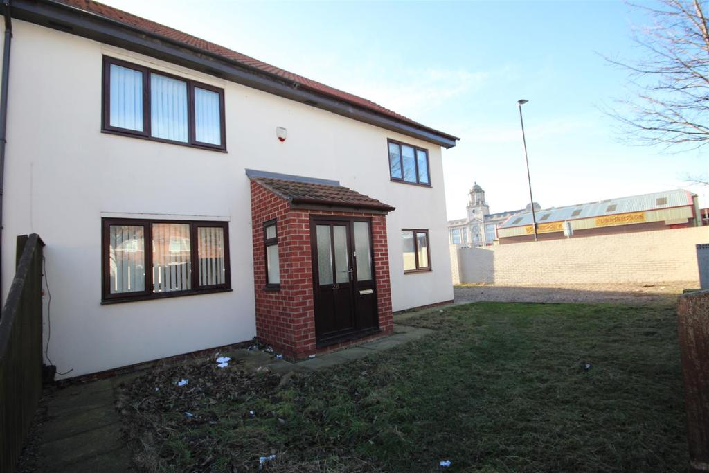 4 Bedrooms End Of Terrace House for sale in Newhaven Court, Hartlepool