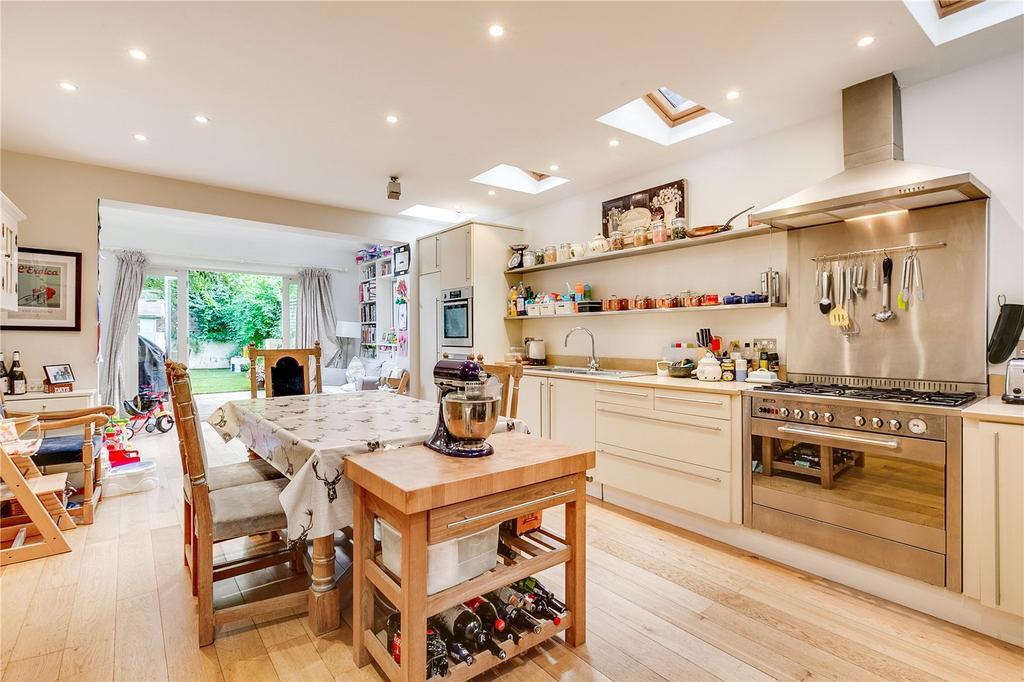 4 Bedrooms Terraced House for sale in Pentland Street, Wandsworth, London, SW18