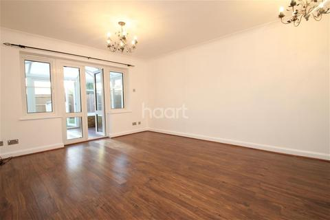 2 bedroom terraced house to rent - Oliver Twist Close, ME1