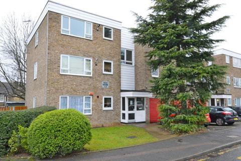 2 bedroom apartment for sale - Hale House, Benjamin Close, Hornchurch, Essex, RM11