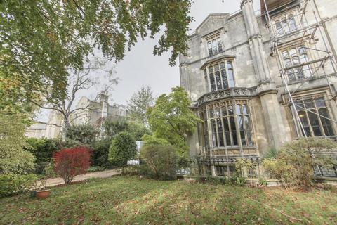 2 bedroom flat to rent - Clifton Park, Clifton