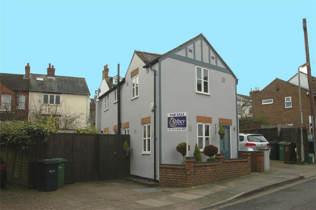 2 Bedrooms Detached House for sale in Dalton Street, St Albans, Hertfordshire