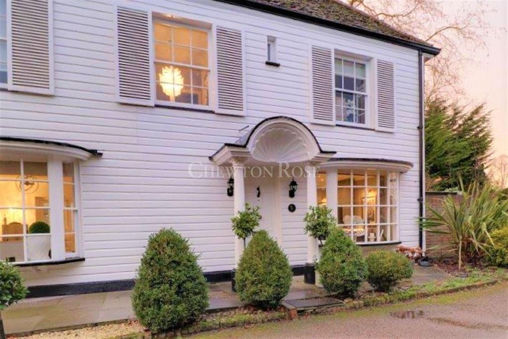 2 Bedrooms Cottage House for sale in Chigwell