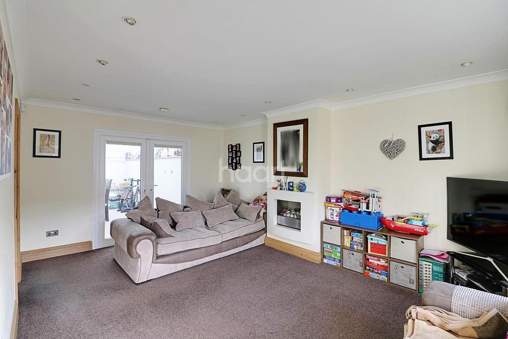 3 Bedrooms End Of Terrace House for sale in Bushey Ley