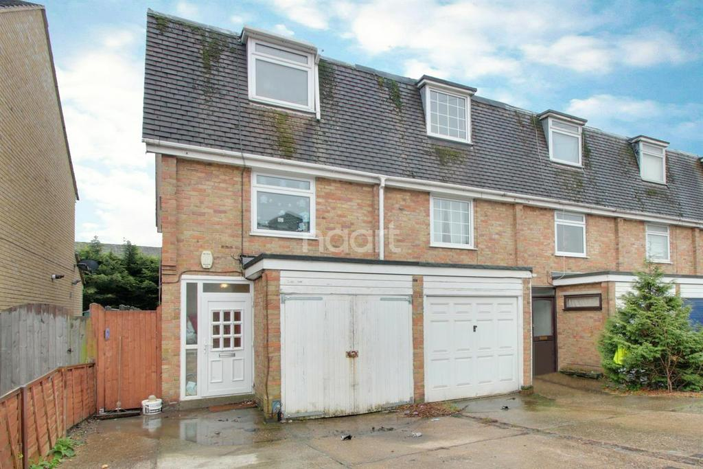 3 Bedrooms Terraced House for sale in Church Road, Harold Wood, RM3 0SA