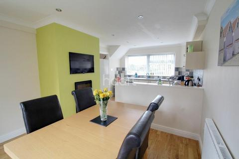 3 bedroom detached house for sale - Ridgeway, Stanground, PE2 8HQ