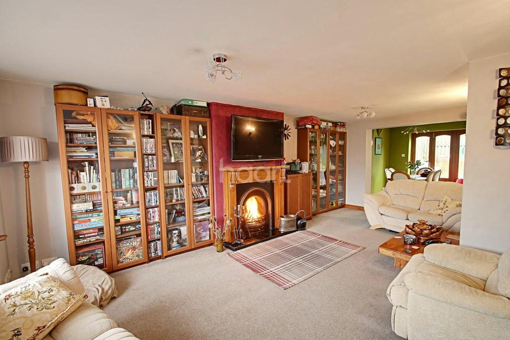 4 Bedrooms Semi Detached House for sale in Rolvenden Road, Wainscott, ME2