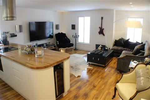 2 bedroom flat for sale - Potato Wharf, Castlefield, Manchester