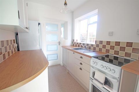 3 bedroom semi-detached house to rent - Vale Avenue, Brighton