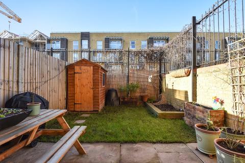 3 bedroom maisonette for sale - Carisbrooke Gardens Peckham SE15