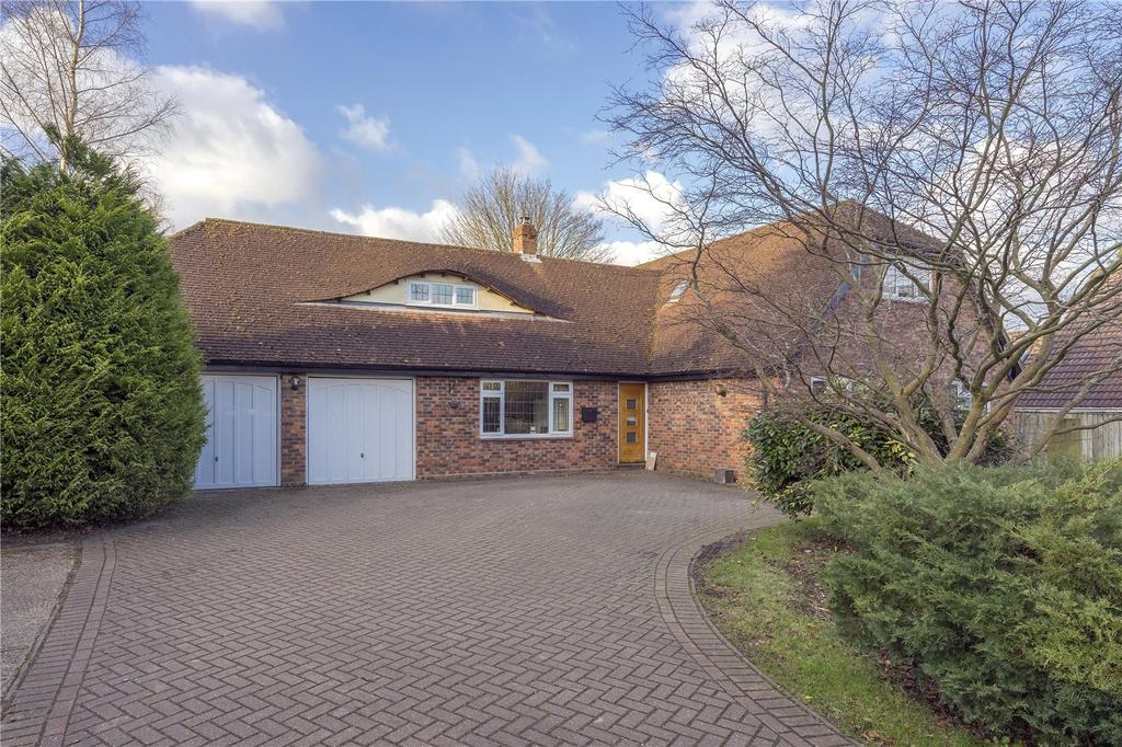 4 Bedrooms Detached House for sale in Winchester Road, Four Marks, Alton, Hampshire