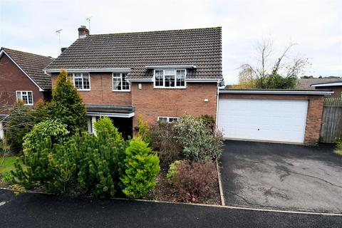 4 bedroom detached house for sale - Fairway Avenue, Tilehurst, Reading