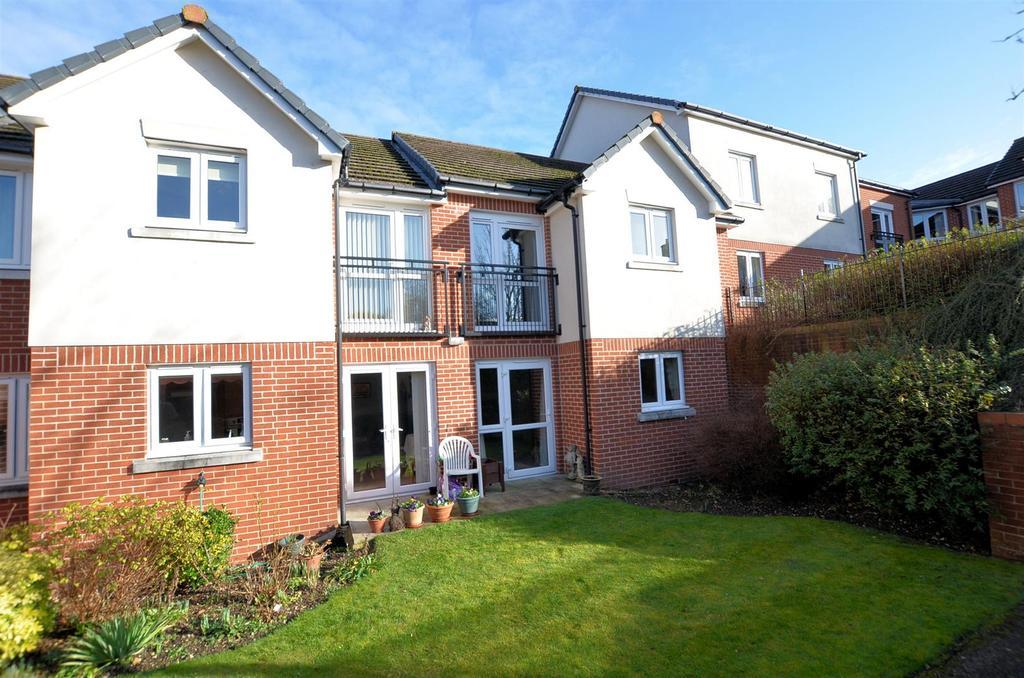 1 Bedroom Flat for sale in Sheppard Court, Tilehurst, Reading