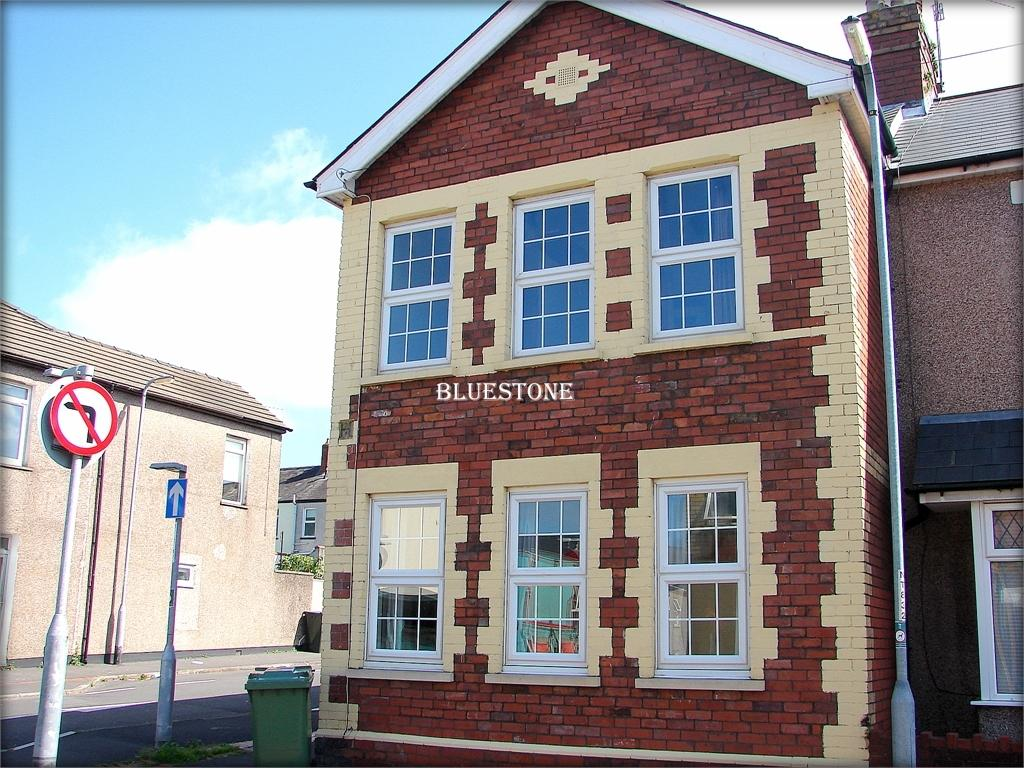 5 Bedrooms Semi Detached House for sale in Sutton Road, St Julians, Newport, Gwent. NP19 7JF