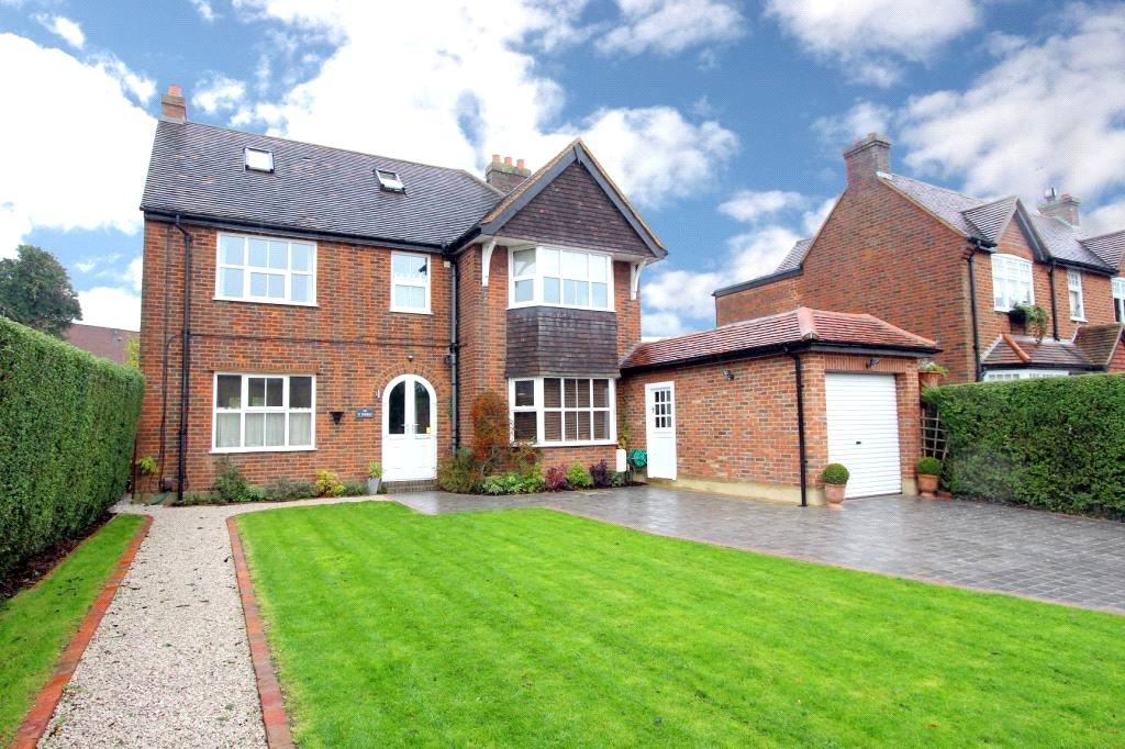 5 Bedrooms Detached House for sale in Glebe Road, Chalfont St Peter, Buckinghamshire, SL9