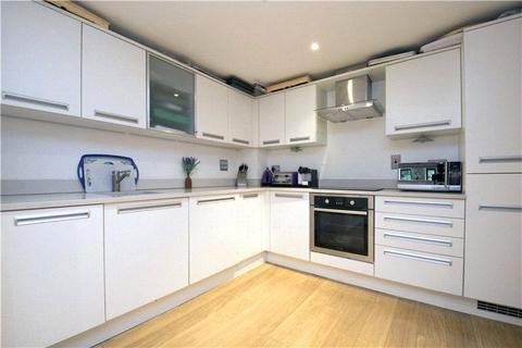 1 bedroom flat to rent - St. Augustines Court, Lynton Road, London