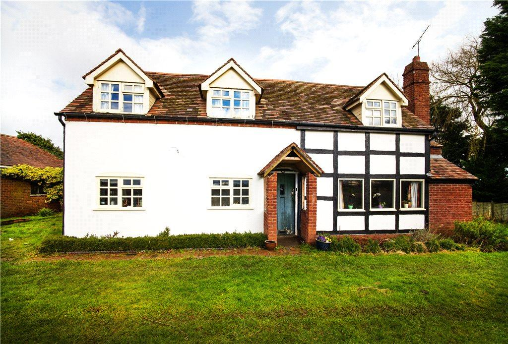 4 Bedrooms Detached House for sale in Droitwich Road, Hanbury, Worcestershire, B96