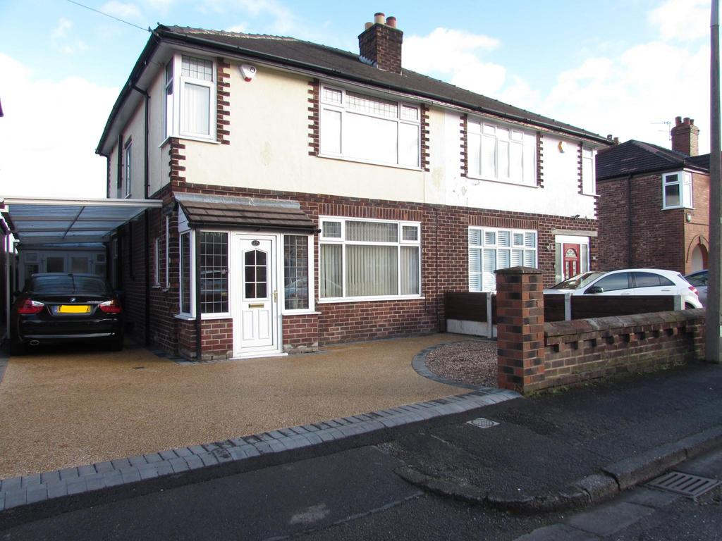 3 Bedrooms Semi Detached House for sale in Burnside Road, Gatley, Cheadle, SK8