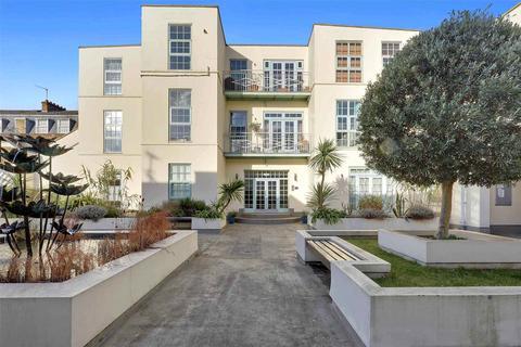 1 bedroom flat for sale - Strand Building, 29 Urswick Road, London, E9