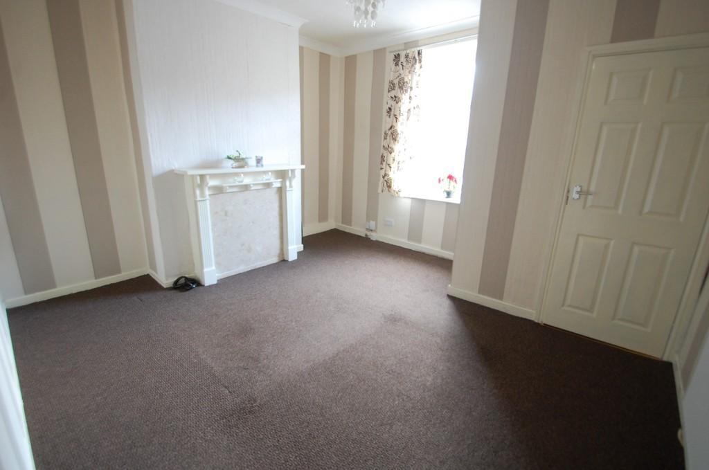 2 Bedrooms Terraced House for sale in Accrington Road, Intack, Blackburn