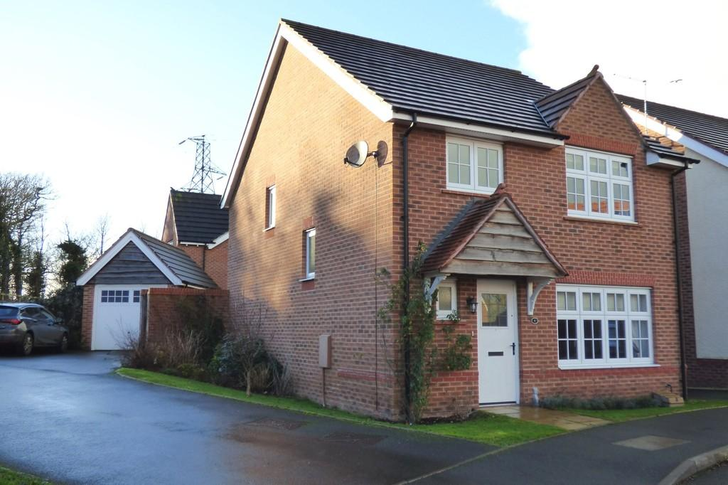 4 Bedrooms Detached House for sale in Campion Grove, Stafford