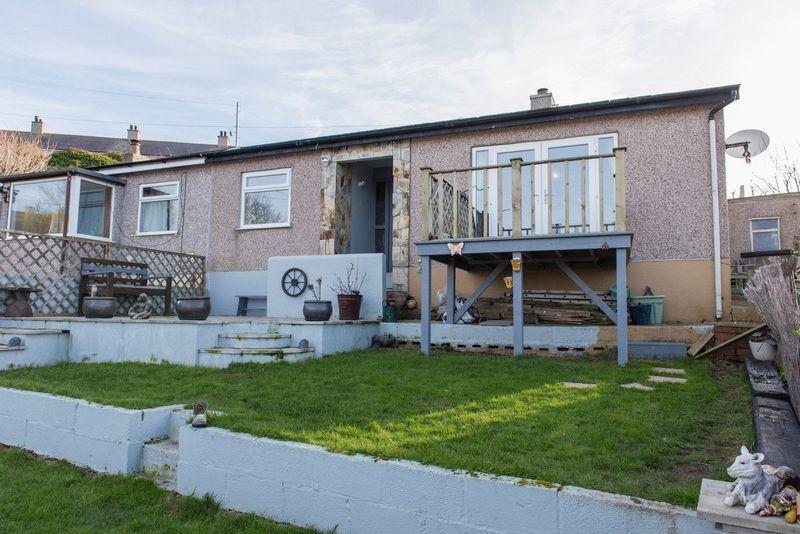 3 Bedrooms Semi Detached Bungalow for sale in Lligwy Street, Holyhead