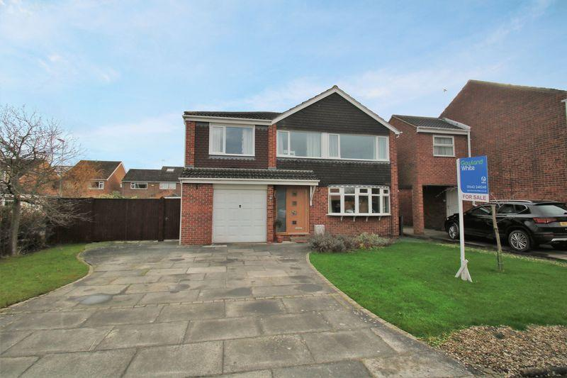4 Bedrooms Detached House for sale in The Fairway, Eaglescliffe TS16 9HL