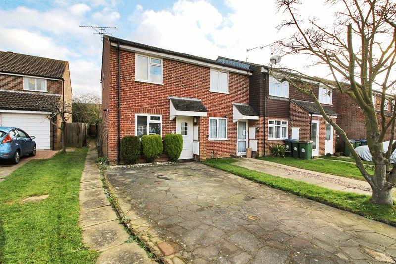 2 Bedrooms End Of Terrace House for sale in Hazelhurst Crescent, Horsham