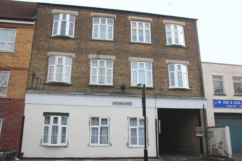 1 Bedroom Ground Flat for sale in Sweyne Avenue, Southend-On-Sea