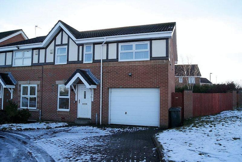 3 Bedrooms Semi Detached House for sale in Greenhills, Killingworth, Newcastle Upon Tyne