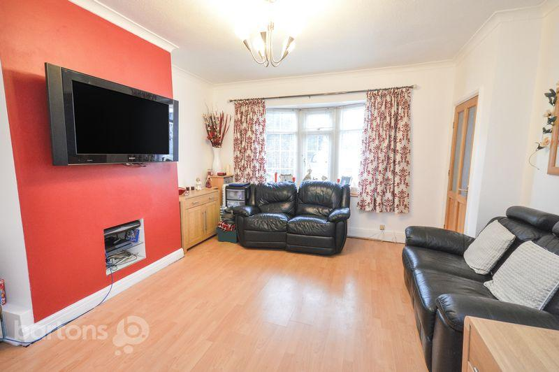 3 Bedrooms Semi Detached House for sale in St. Nicolas Road, Rawmarsh