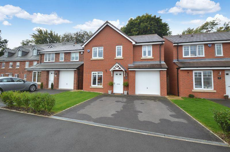 4 Bedrooms Detached House for sale in Nash Gardens, Wollaston, Stourbridge