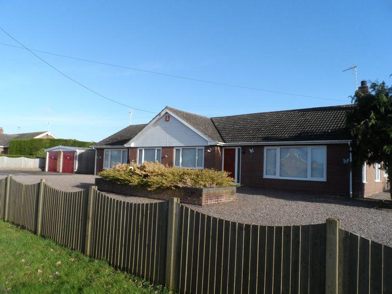 4 Bedrooms Detached Bungalow for sale in Sheppenhall Lane, Nantwich