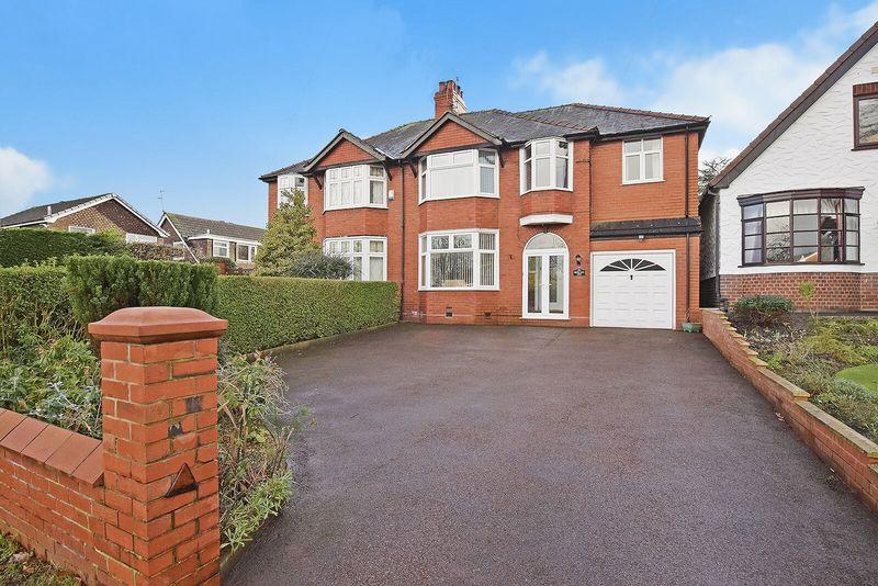 4 Bedrooms Semi Detached House for sale in Clifton Road, Higher Runcorn