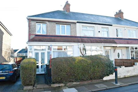 3 bedroom end of terrace house for sale - Grimsby
